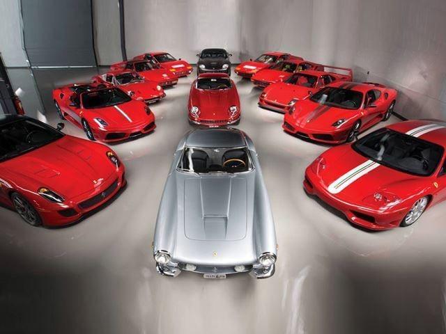 13 Ferraribilar från en och samma ägare ska auktioneras ut nästa månad.