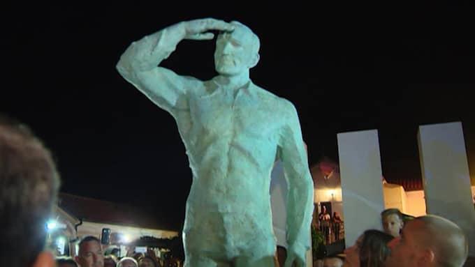Statyn på Miro Baresic.