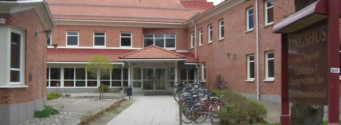 Umeå tingsrätt friar de tre männen från våldtäkt mot en flicka i Umeå. Foto: PETTER MAAHERRA