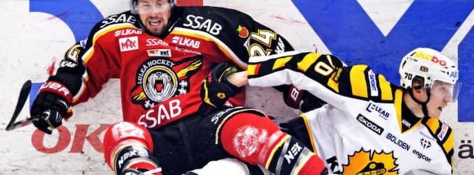 John Klingberg i sargduell under SM-finalen. Foto: Joel Marklund / Bildbyrån