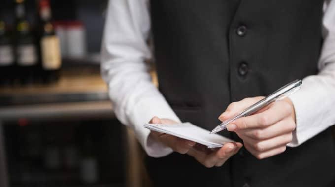 Jag vet ingen som jobbar inom restaurang som inte känner igen och varit med om allt jag nu kommer skriva om, skriver Sofi Larsson. Foto: Shutterstock.