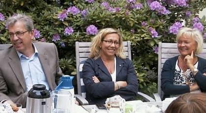 Oppositionens kommunalråd Jan Hallberg (M), Helene Odenjung (FP) och Carina Liljesand (KD) har övertaget i Göteborg fyra månader före valet. Men allt tyder på ett jämnt val.