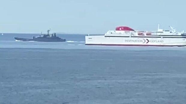 Här passerar ryska stridsfartyg genom Öresund
