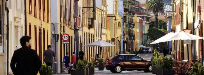 La Laguna - Teneriffas gamla huvudstad har numera vuxit ihop med Santa Cruz.