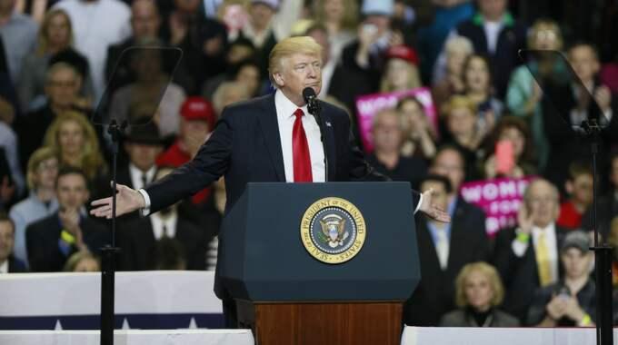 Trump sa inte ett ord om att FBI utreder kopplingarna mellan hans valkampanj och Ryssland. Foto: Jeremy Hogan / POLARIS/IBL POLARIS