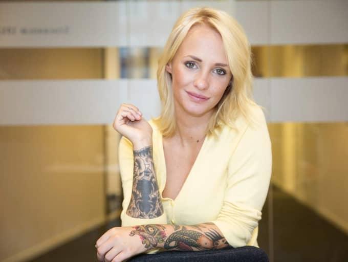 För Expressen berättar Paulina Danielsson varför hon tvingats ändra sin syn på killar och om hur uppväxten påverkat henne. Foto: Ylwa Yngvesson