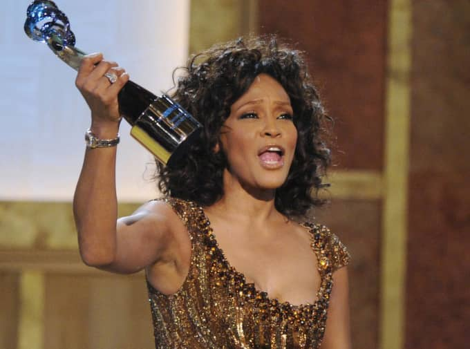2010. Whitney Houston prisas på BET Hip Hop Honors i Washington. Foto: Nick Wass/AP