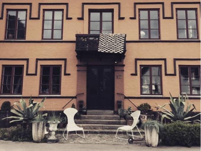 Marie Olsson Nylanders och Bill Nylanders hus – Hamnkaptenens villa i Höganäs. Foto: Marie Ilsson Nylander