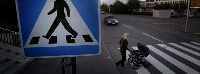 Bilar bort, barnvagnar in? En ny trend som kan läsas i statistiken är att fler barnfamiljer bor i Göteborgs innerstad. Nu börjar partierna skriva om sina program för att locka också deras röster. Foto: Henrik Hansson