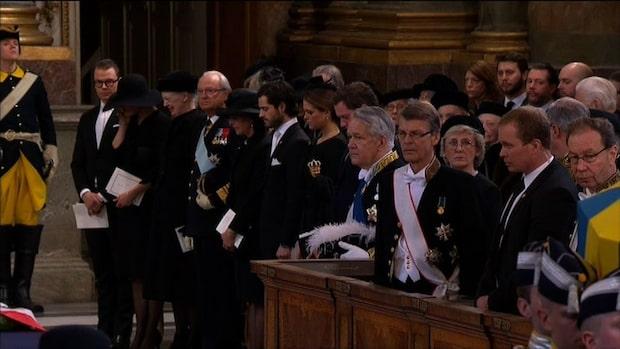 Victoria i tårar under begravningen