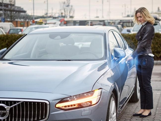Volvo kommer att erbjuda kunderna ett program till sina mobiltelefoner. Programmet/appen ersätter den fysiska nyckeln med en digital nyckel.