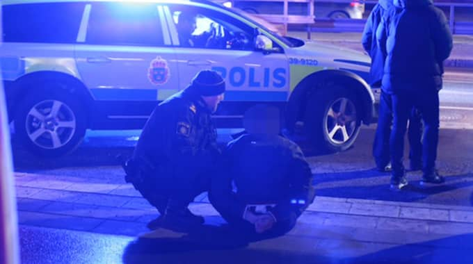 Tre män togs av polis efter biljakten. Foto: Swepix/ Janne Åkesson