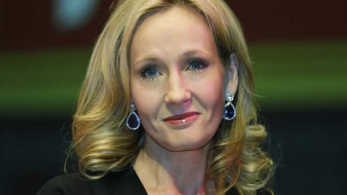 JK Rowling bekräftar den fantastiska nyheten. Foto: Lefteris Pitarakis