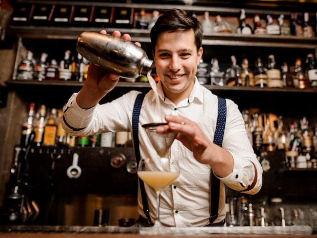 Ett helt avgörande tips är att prata med bartendern, som ofta kan tipsa om vilka barer du inte bör missa.