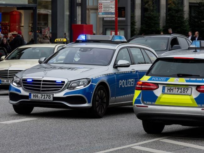 När polisen stoppade honom för andra gången beslagtog de den extravaganta lyxbilen.