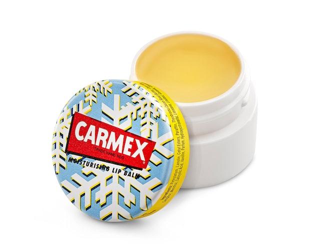 """""""Balmet pirrar och ger en lite kylande känsla"""", skriver skönhetsredaktören om Carmex produkt."""