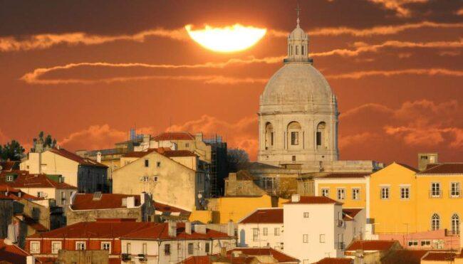 Sedan fenicierna grundade Lissabon för 3 200 år sedan har människor från alla möjliga kulturer satt sin prägel på staden.