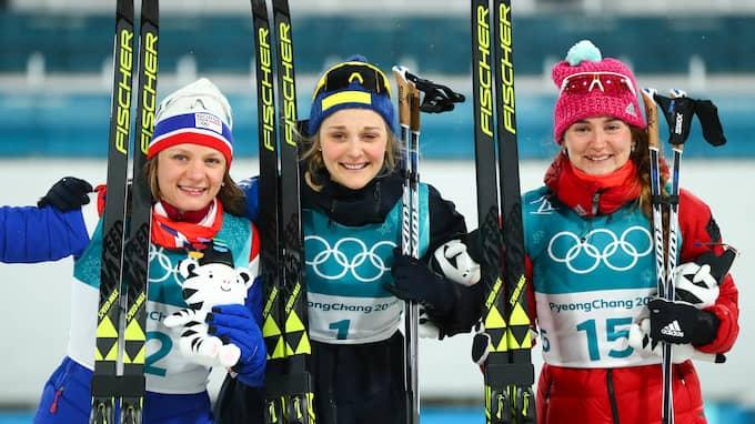Belorukova, till höger i bild, firar sin tredjeplats i sprinten. Foto: USA TODAY NETWORK / USA TODAY NETWORK/SIPA USA/IBL SIPA USA