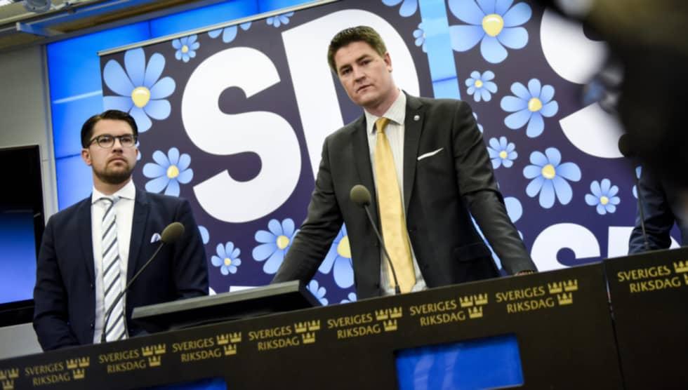 SD:s Oscar Sjöstedt, här med Jimmie Åkesson, har uppvaktats av flera näringslivsaktörer. Foto: Pontus Lundahl/TT