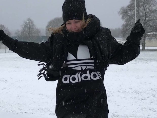 Kraftiga snöfall drar in – mer snö under veckan