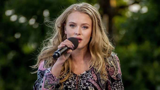 17-åriga Zara Larsson uppträdde på Allsång på Skansen i somras. Foto: Simon Hastegård