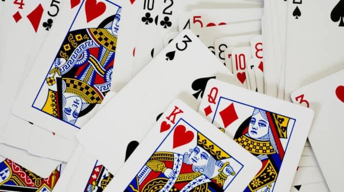 I Pattaya är kortspel på offentliga platser med mer än 120 spelkort olagligt sen 1935. Foto: Staffan Löwstedt / Svd / Tt
