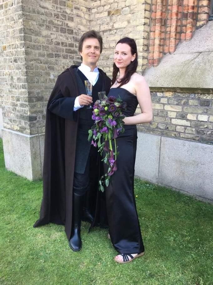 Tommi Tulkki och Jenny Björk gifte sig som Luke Skywalker och Mara Jade från Star Wars. Foto: Privat