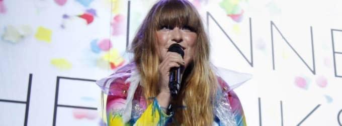 Linnea var den som tog den allra första tonen på Tele 2 Arena. Foto: Patrik Österberg
