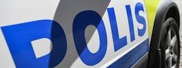 Polisbilens ruta  krossad med sten