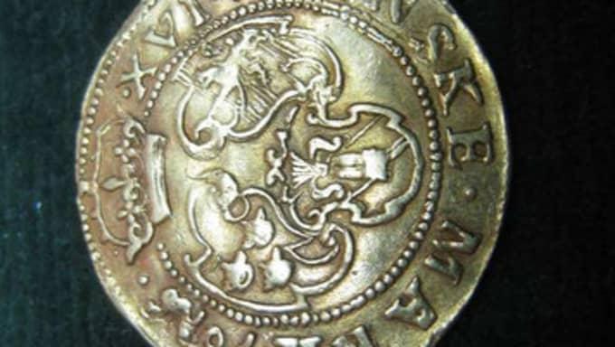 Bland de mynt som försvunnit ur samlingarna fanns ovanliga guldmynt.