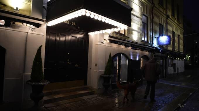 En man dog efter fallet på nattklubben Yaki-da. Foto: Robin Aron