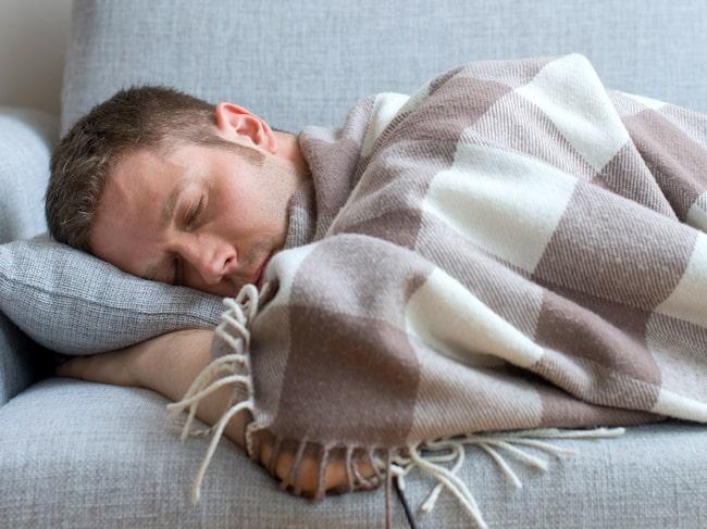 """SIgnaturen """"P"""" känner en enorm trötthet: """"Hittills har jag kunnat arbeta, men på slutet har jag stannat hemma någon dag i veckan""""."""