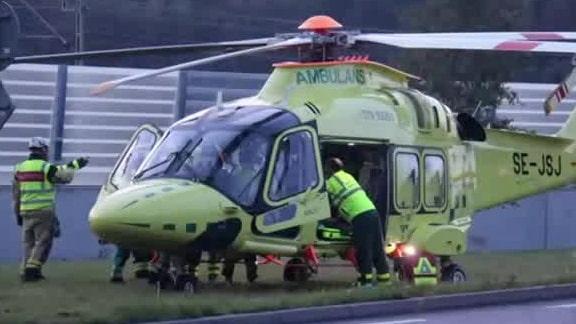 En till sjukhus med helikopter efter mc-olycka