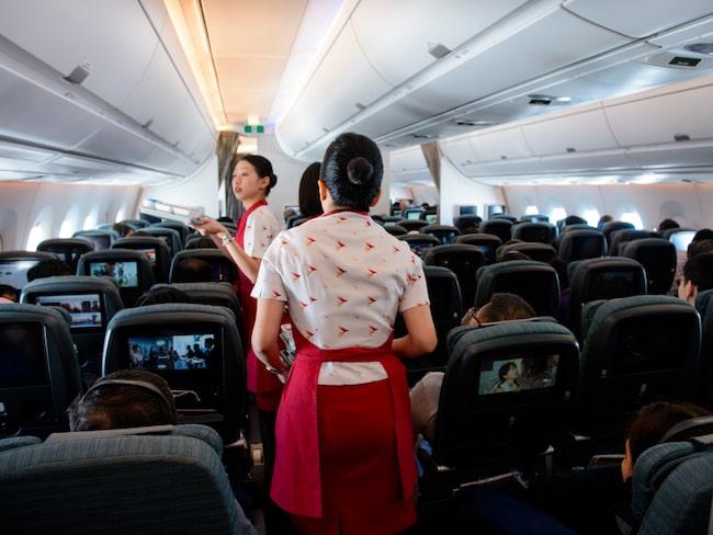 Ombordpersonal misstänks för stölder värda miljoner (personerna på bilden har inget med artikeln att göra).