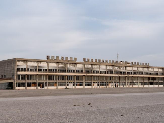 Nicosia International Airport har stått övergiven i 45 år.