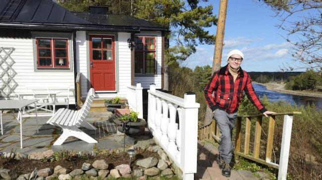 När Peter köpte huset 2007 hade det stått nästan tomt i flera år. Då var det bara 25 kvadrat stort med en biyta på 25 kvadrat i källaren.