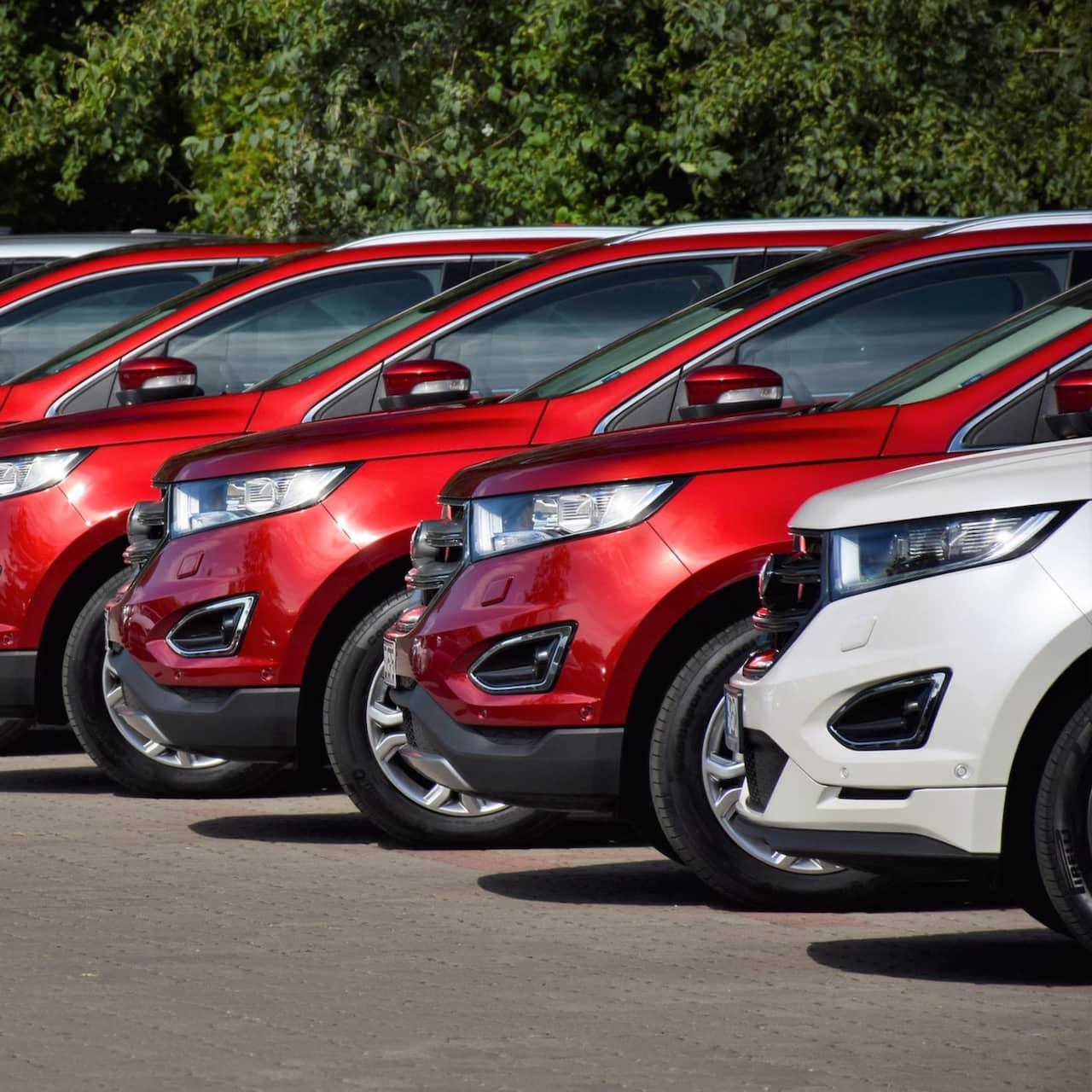 Handlare säljer bilar med olagliga lån