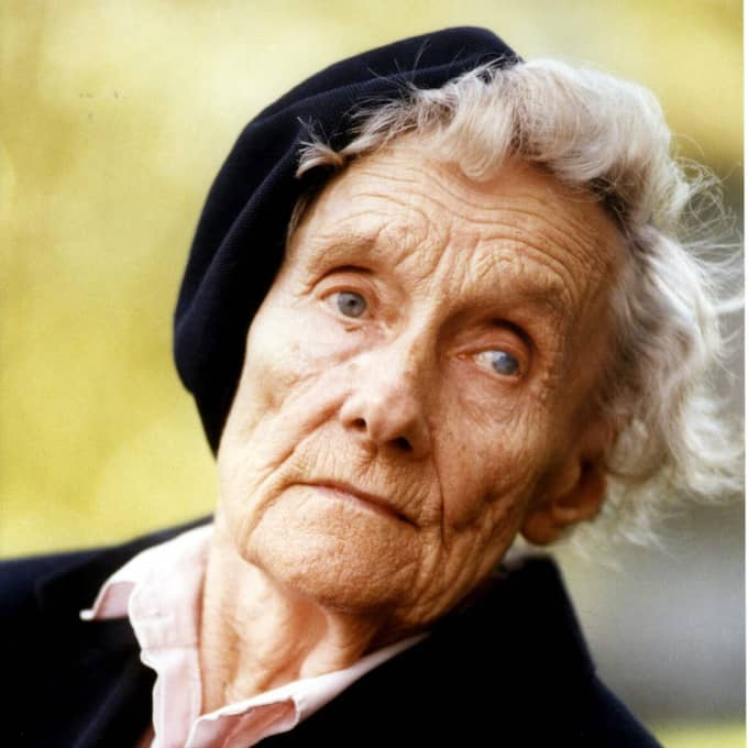 """BEGRAVDES DEN 8 MARS. När Astrid Lindgren dog 2002 var det ingen tillfällighet att hon begravdes på internationella kvinnodagen. """"Det var just tanken"""" berättade Astrids barnbarn Nils Nyman för Expressen. Foto: Anders Roth"""