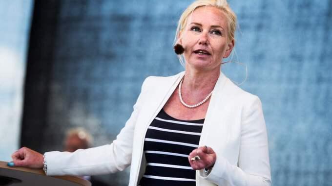 Regeringen vill skärpa taxireglerna. Det skriver infrastrukturminister Anna Johansson (S). Foto: Robin Aron