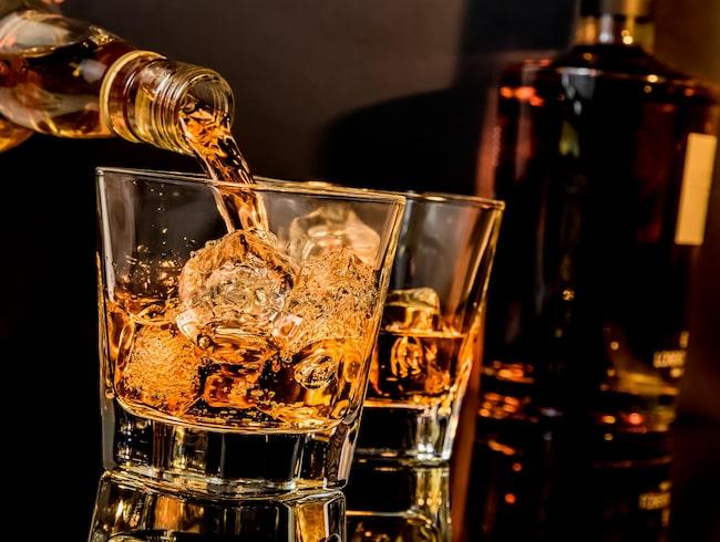 Det är första gången sedan 1908 som resenärer kan dricka lokal whisky i den brittiska huvudstaden.
