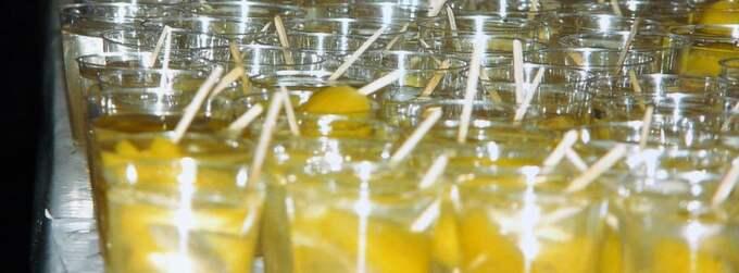 Cocktails i Första maj-tåg.