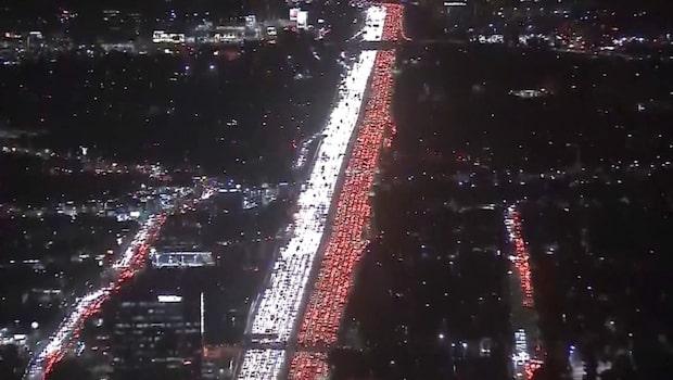 Trafikkaos inför Thanksgiving - se de otroliga bilderna