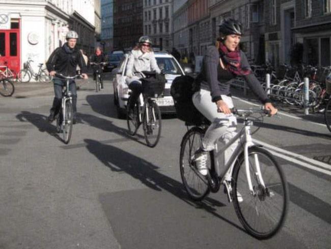 Cyklister däremot, genererar pengar till samhället, enligt samma studie.