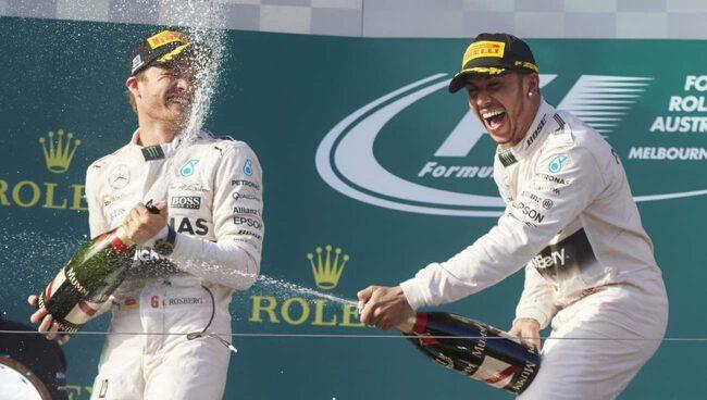 Mercedes hade anledning att fira efter att ha blåst ifrån konkurrenterna i F1-premiären.