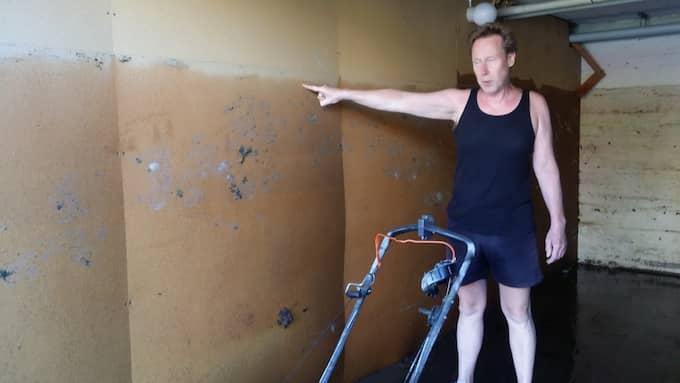 Vattnet nådde 1,7 meter i garaget. Foto: Helmuth Petersson