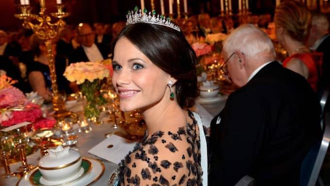 Enligt Magdalena Ribbing kan prinsessan Sofias örhängen vara värda så mycket som en miljon kronor Foto: Fredrik Sandberg/Tt