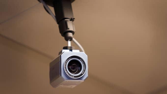 Massor av människor har fått sina övervakningskameror hackade och utlagda på en sajt på nätet. Foto: SANNA DOLCK / KVP