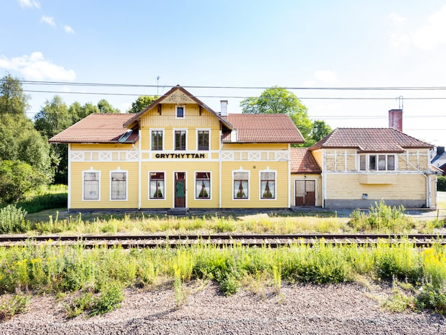 Grythyttans stationshus stod klart 1877. Nu ekar väntsalen tom och stinsen har lämnat för längesedan.