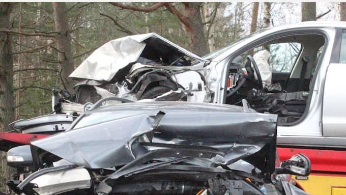En olycka inträffade i Kristinehamn då en bilist väjde för ett rådjur och då frontalkrockade med en mötande bilist. Foto: Ridder Karlsson / Dagsmedia.se