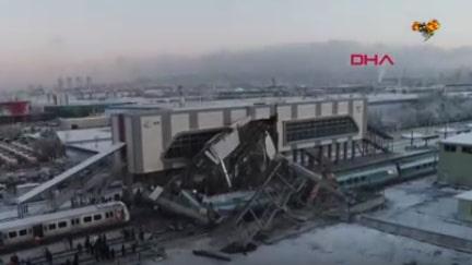 Flera döda och skadade i tågkrasch i Turkiet